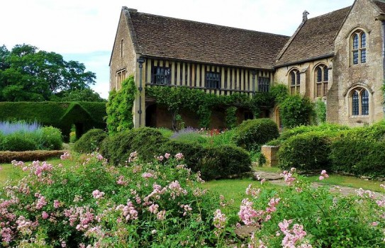 Great Chalfield Manor Garden