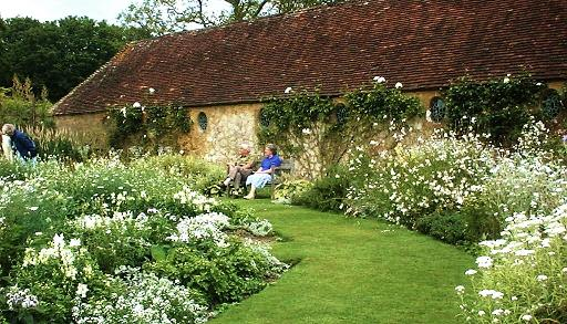 Barrington court gardens near ilminster great british gardens for Gertrude jekyll gardens to visit